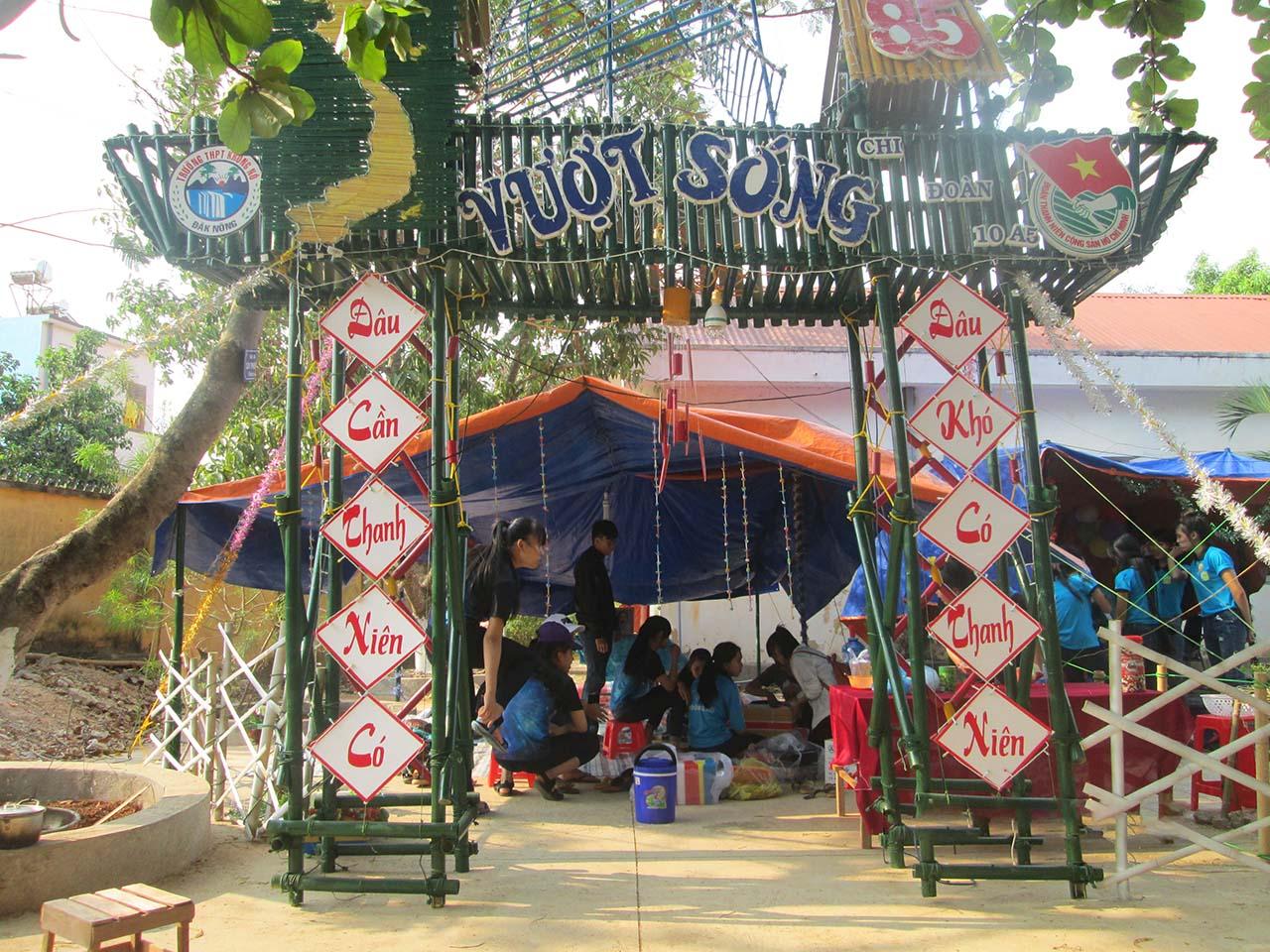 Trang trí lều trại với những hình cổng trại đẹp 17