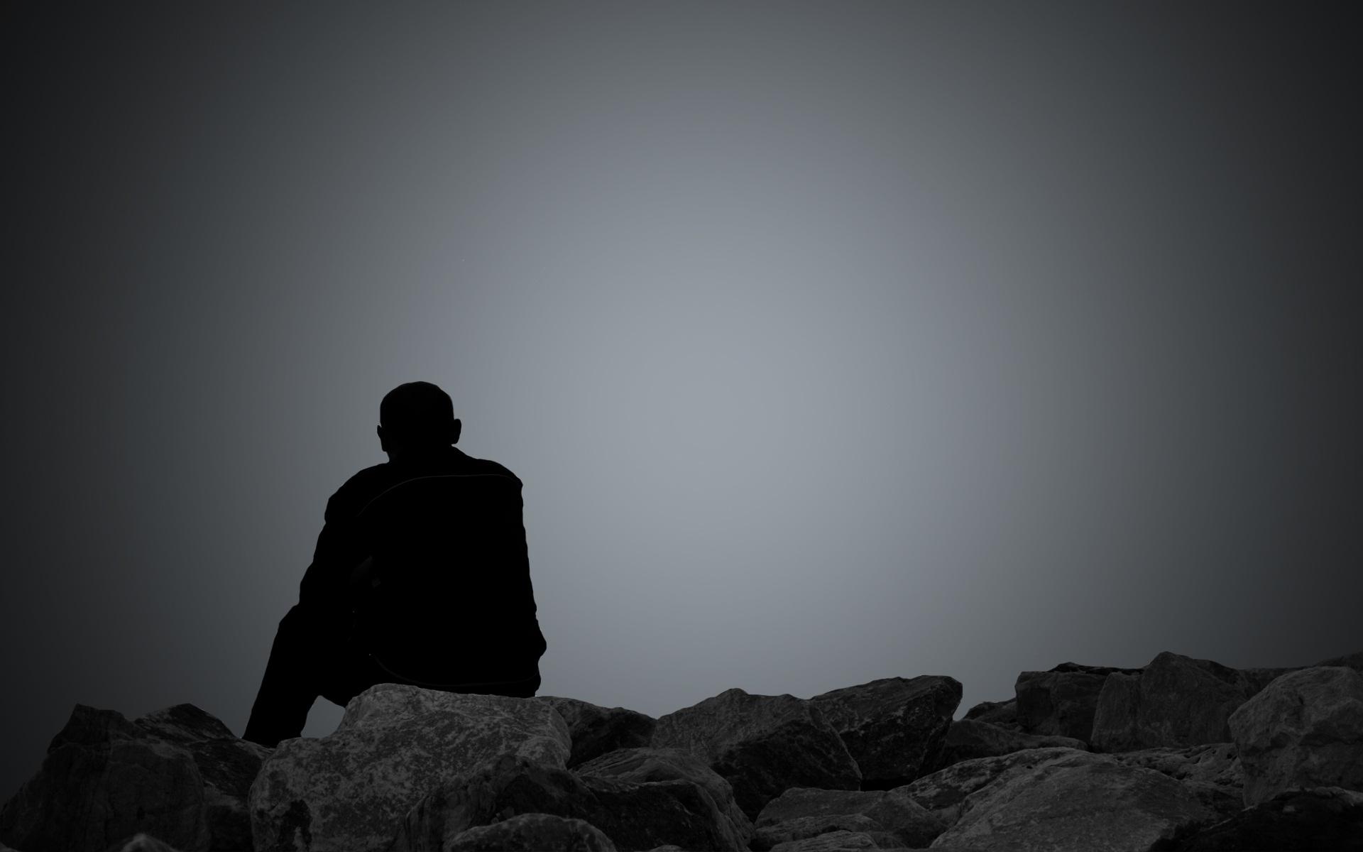 hình ảnh người đàn ông buồn